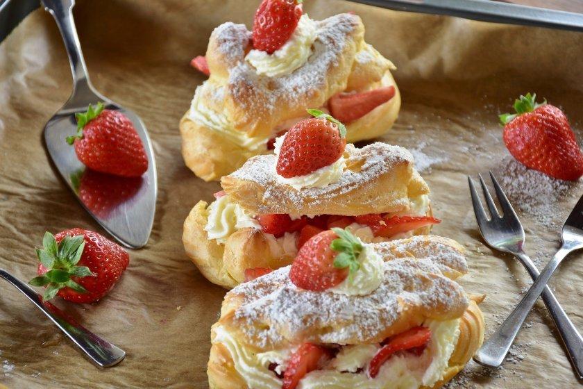 eclair sweets dessert