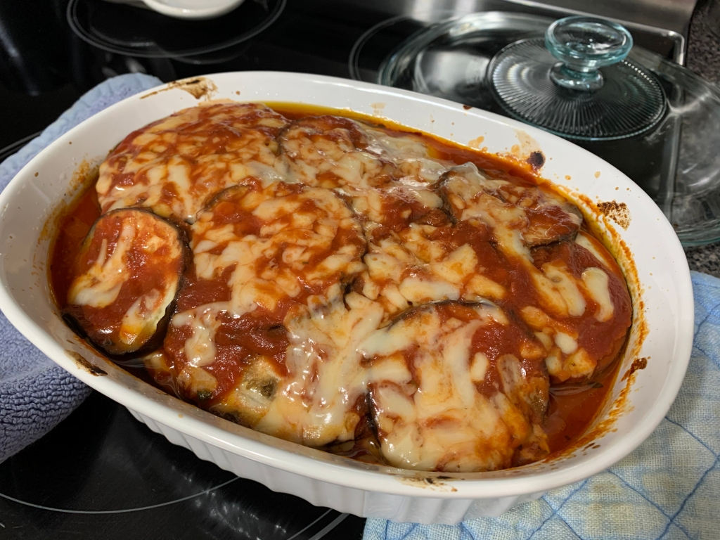 Keto casserole with eggplant and tomato sauce