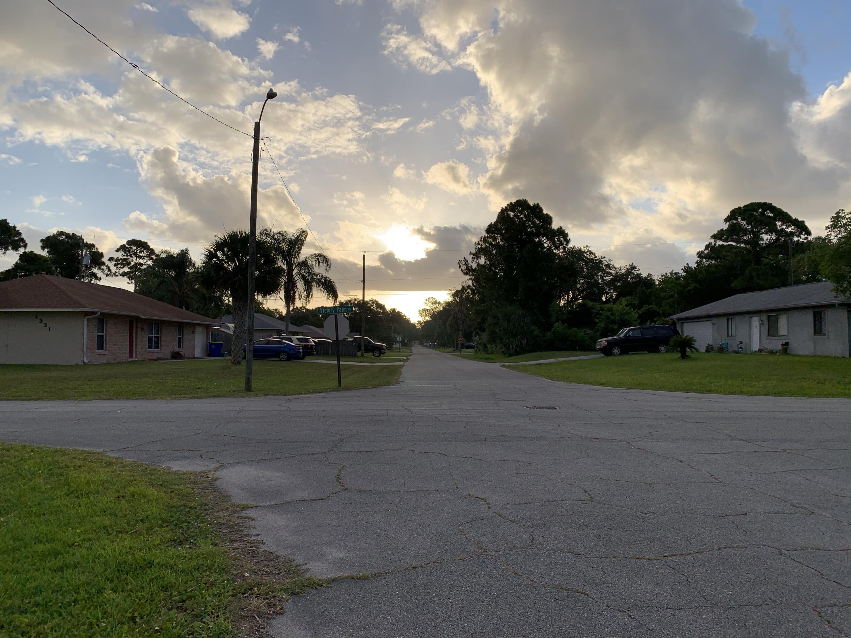 morning sun clouds Florida neighborhood
